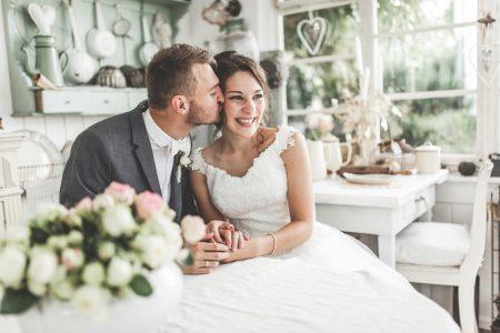 98d84a05b4fd9 一般的な結婚式では、会場やイベントなどはある程度決まったテンプレートの中から選ぶことがほとんどです。