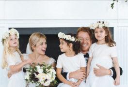 花言葉は「晴れやかな魅力」。ハレの日にもぴったりなラナンキュラスをテーマにした結婚式