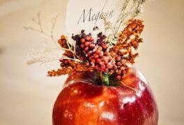 真っ赤なりんごをテーマに、愛に溢れた結婚式を